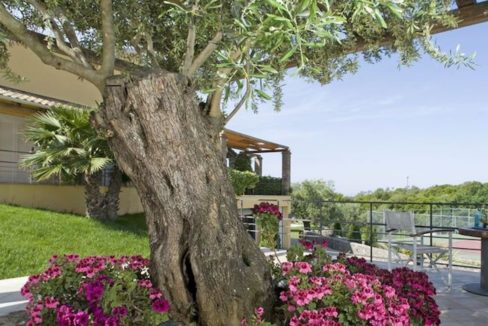 9 bedroom luxury Villa for sale in Corfu with private pool 8
