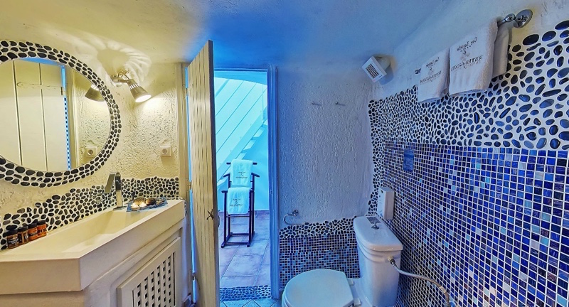 Maisonette Loft Suites for Rent Santorini 03_resize