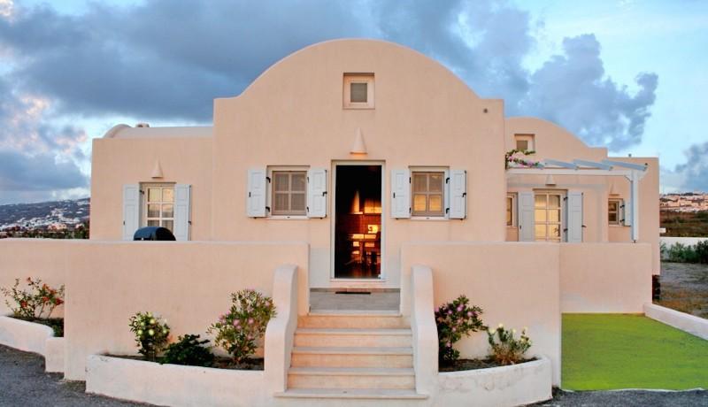 Rent a Villa in Santorini Greece 05