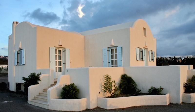 Rent a Villa in Santorini Greece 06