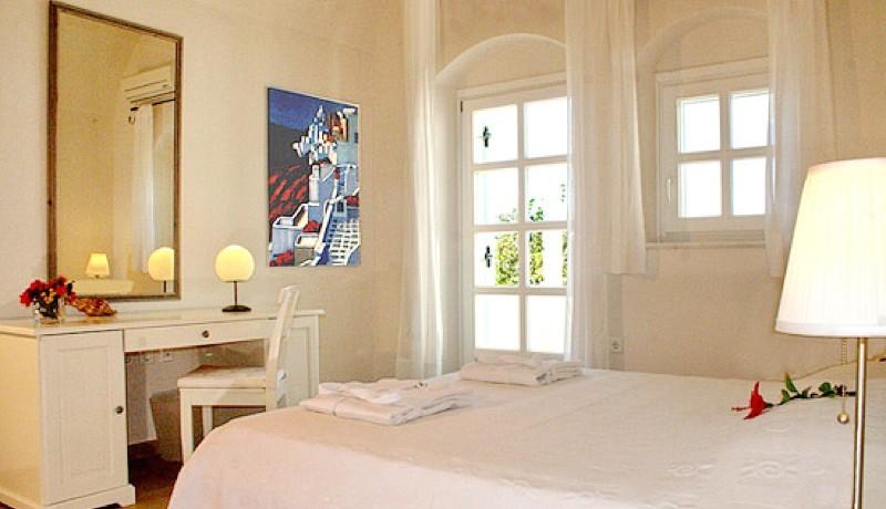 Rent a Villa in Santorini Greece 07