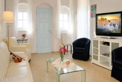 Rent a Villa in Santorini Greece 11
