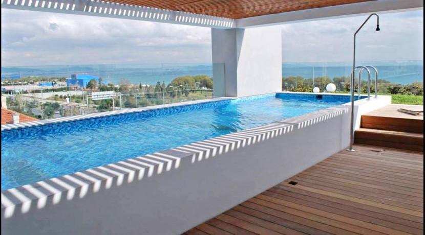 Roof Top Maisonette Elliniko Athens 12