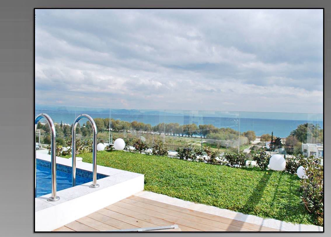 Luxury Maisonette with Roof Top Pool and Sea Views At Hellinikon Athens
