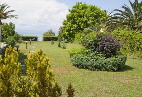 Villa for rent on the beach in Kassandra, Ηalkidiki