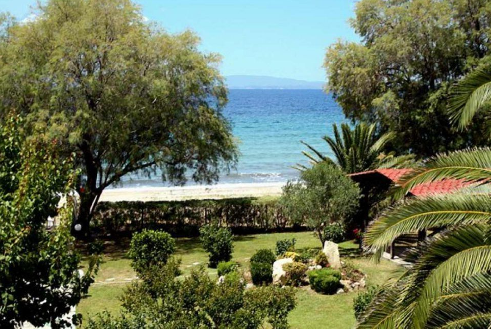 Villa for rent on the beach in Sithonia, Halkidiki