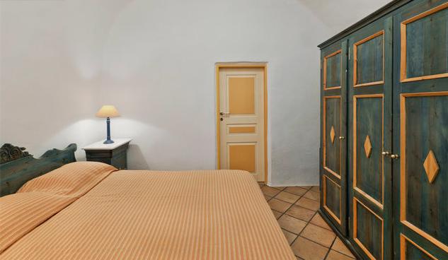 圣托里尼 房子卖给希腊 Lux Suite for Sale Santorini4