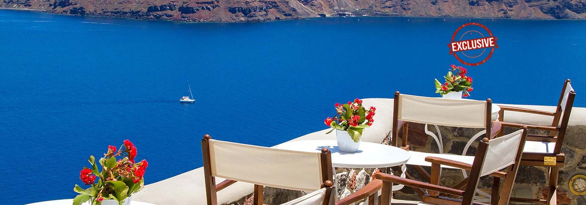 16 Luxury Suites Hotel in Oia of Santorini EXCLUSIVE