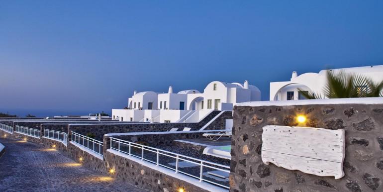 Luxury Villa at Caldera 01