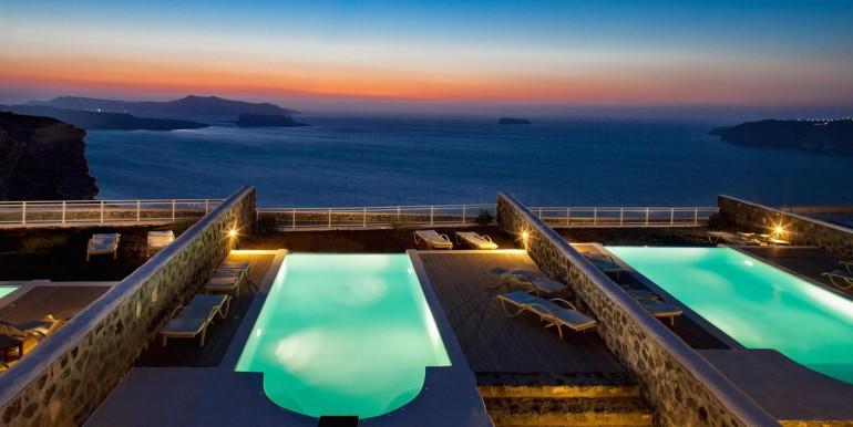 Luxury Villa at Caldera 03