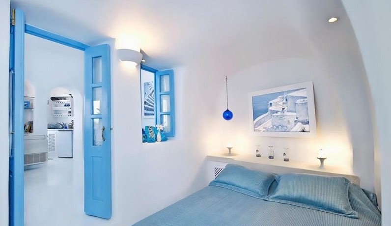 oia Santorini Greece 2