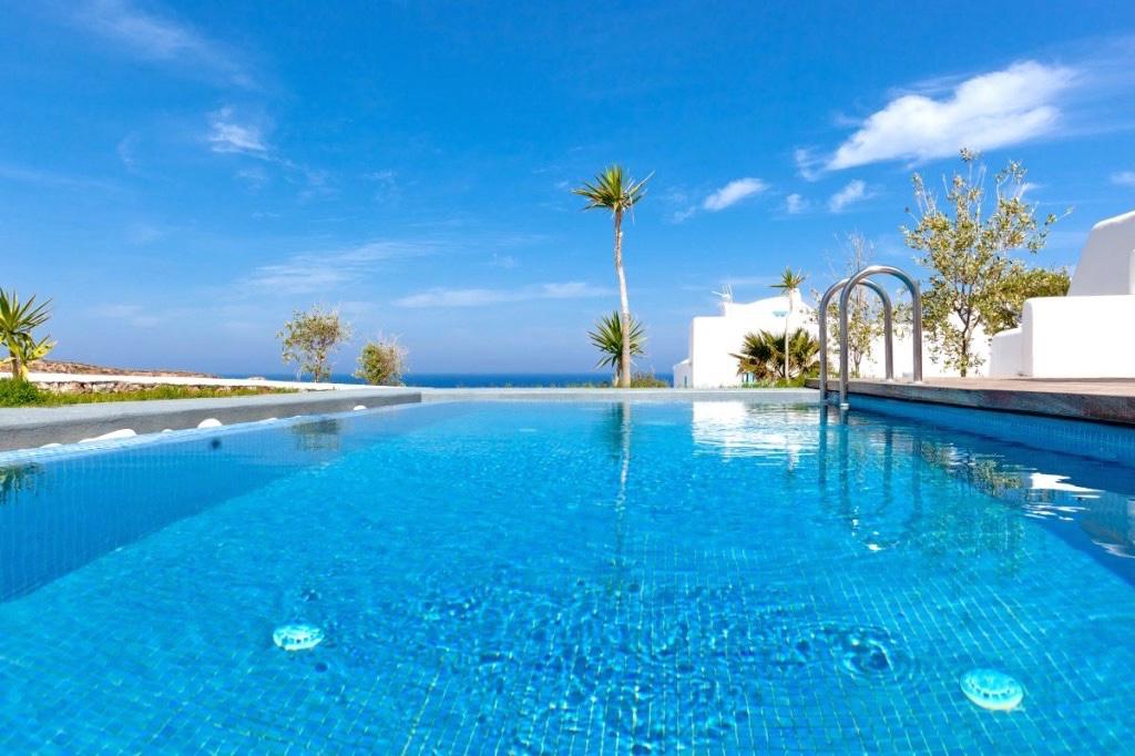 Luxury vacation villa for rent Santorini