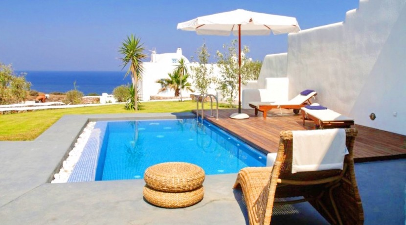 rent a villa in Santorini Greece 4