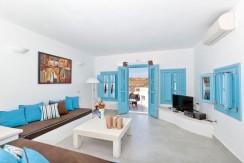 rent a villa in Santorini Greece 7