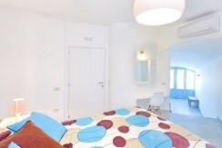rent a villa in Santorini Greece 9