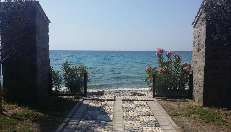 Seafront Villa Halkidiki 4