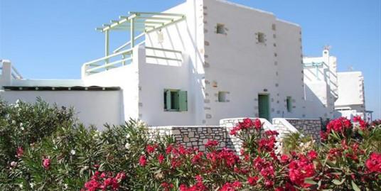 Villa 214 m² For Sale In Paros Island