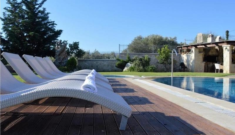 Chania Villa Pool Sales 1