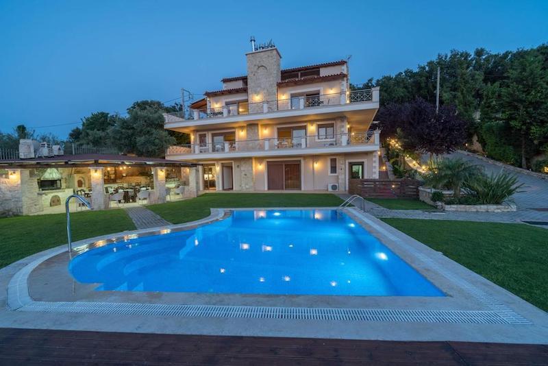 Villa of 3 apartments and 2 maisonettes with pool, Rethimno Crete