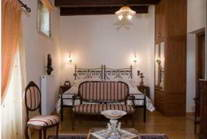 Boutique Hotel : Villa REthymno for Sale Greece 10
