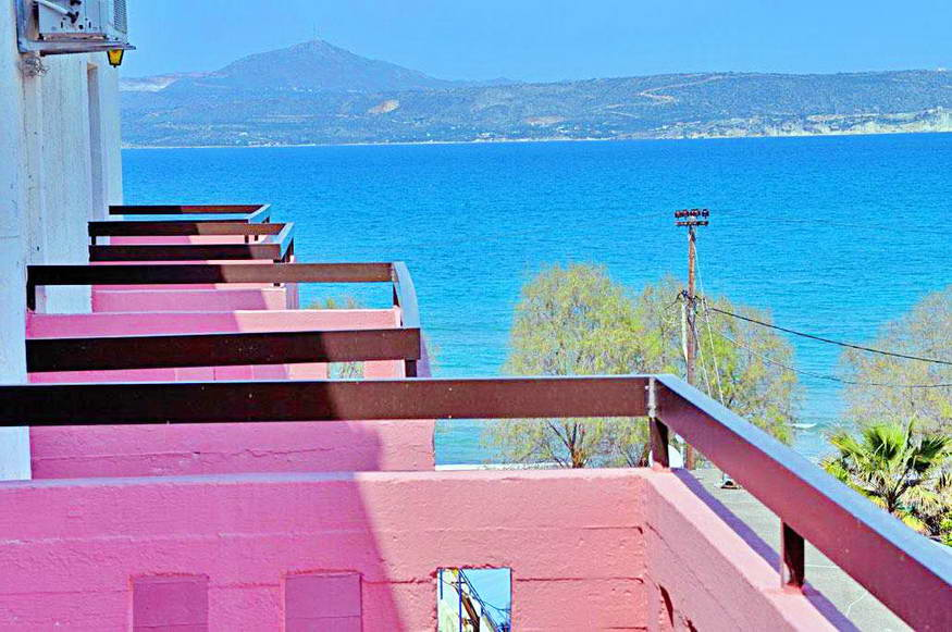 Small Hotel For rent 50 meters from the beach