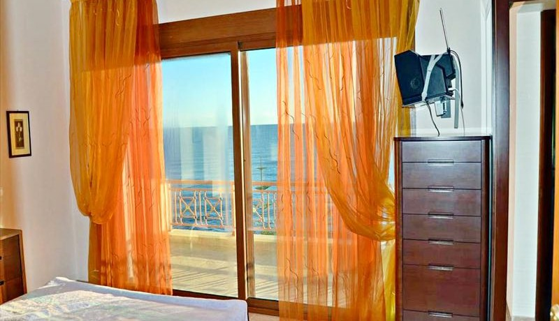 seafront Villa Halkidiki Skioni 3