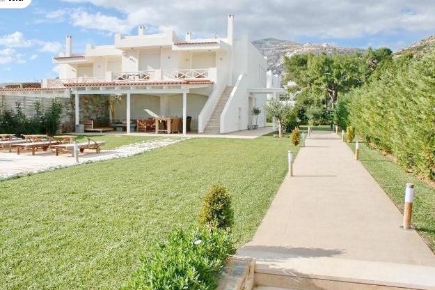 Beachfront villa to rent in Athens Greece