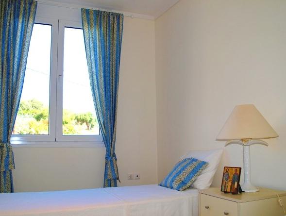 Rent a Villa in attica by the sea 10