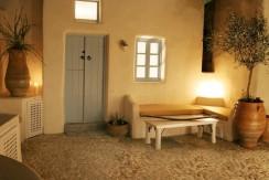 house santorini for rent 3