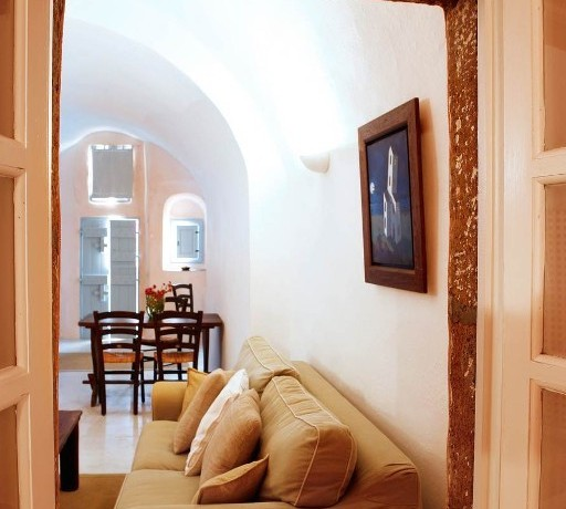 house santorini for rent 4