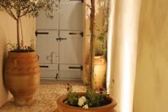 house santorini for rent 6