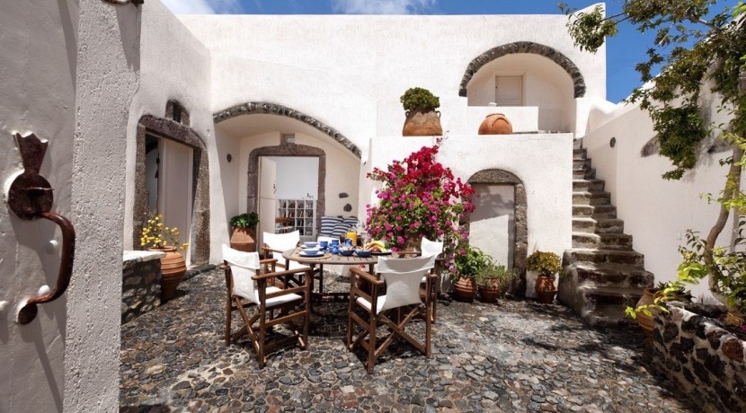 Caldera House For Rent Santorini Greece 01