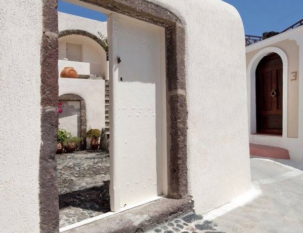 Caldera House For Rent Santorini Greece 11