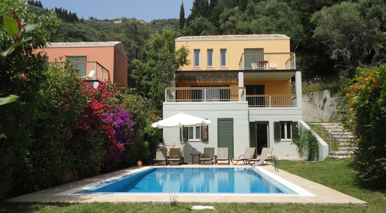 Complex villas with pool for rent in Corfu, Greece