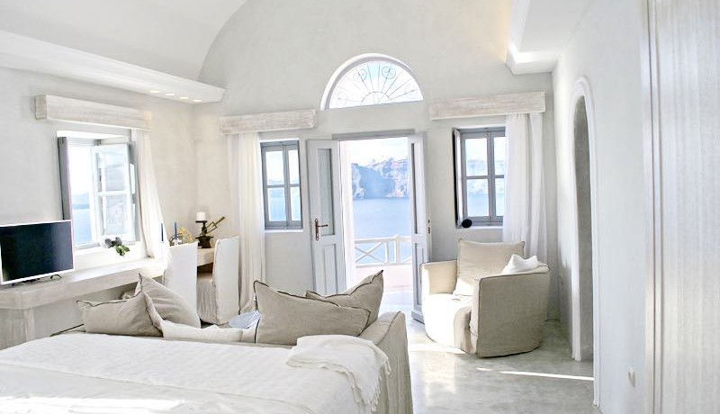 Luxury Cave House Santorini 10