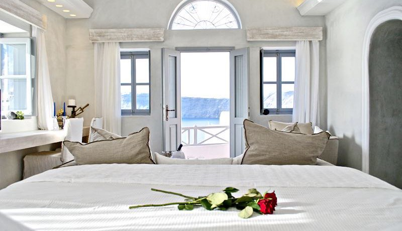 Luxury Cave House Santorini 9
