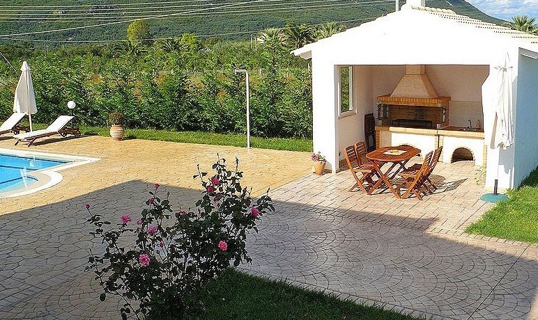 Rent a Villa in Greece 02