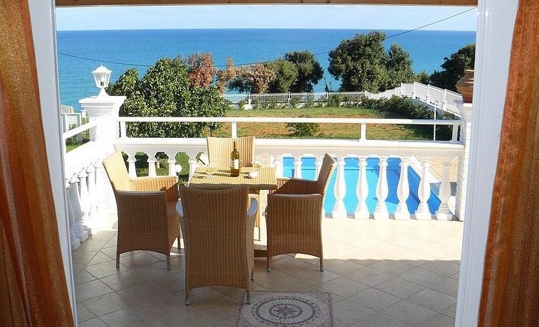 Rent a Villa in Greece 04