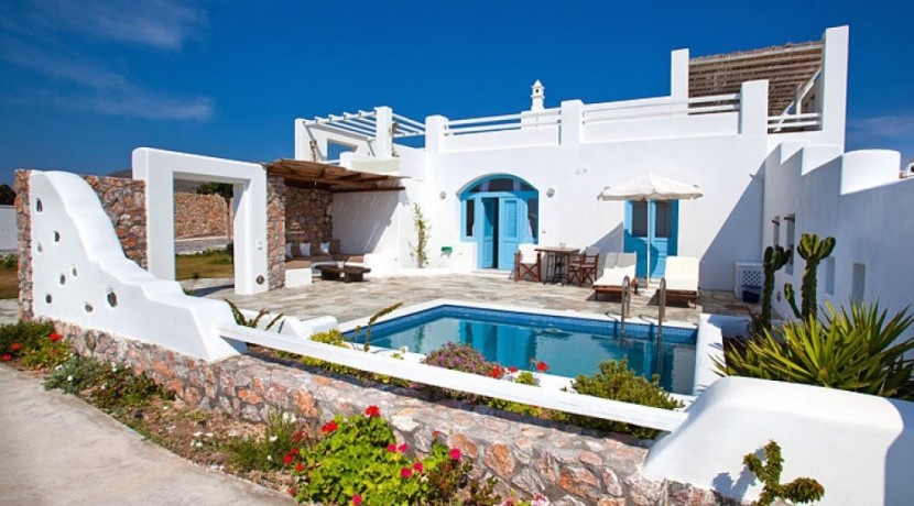 Santorini Villas For Rent 01