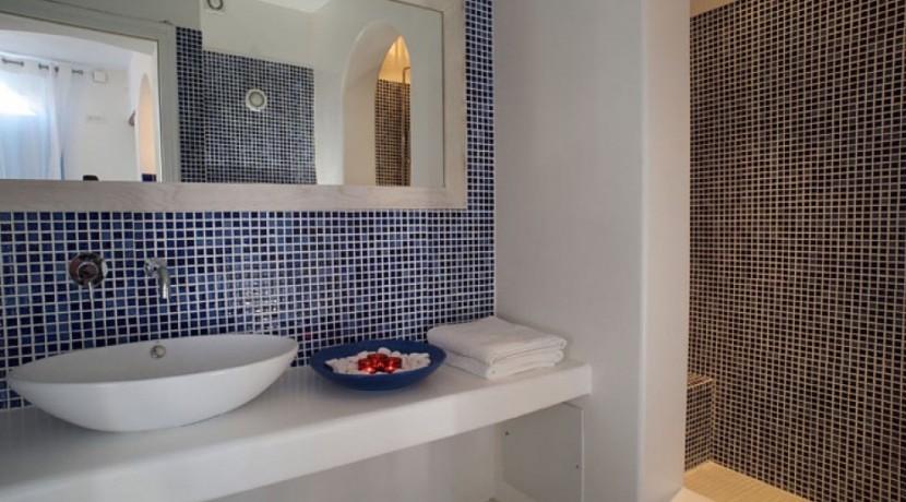 Santorini Villas For Rent 02