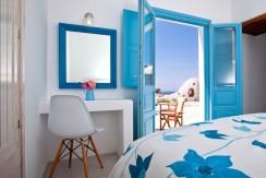 Santorini Villas For Rent 08