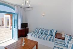 Santorini Villas For Rent 09