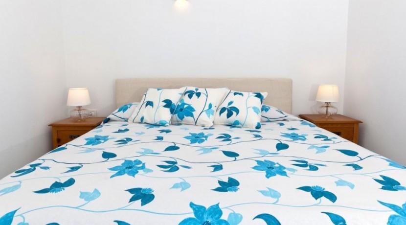 Santorini Villas For Rent 10