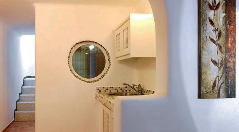 Suites for Rent at Caldera Santorini 07
