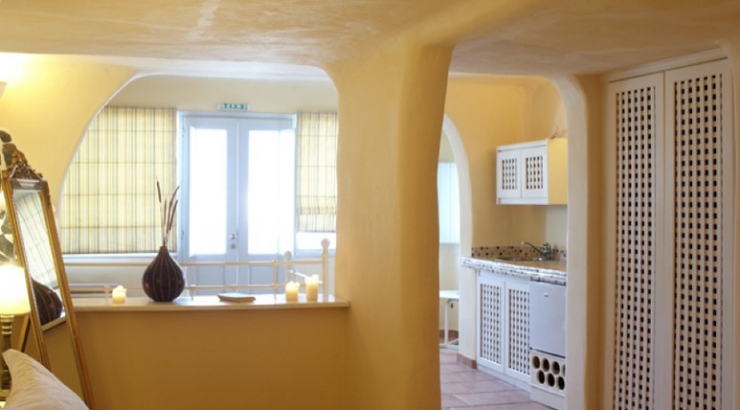 Suites for Rent at Caldera Santorini 09