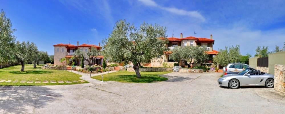 Villas to rent 300m from beach in Chadkidiki, Polichrono-Hanioti