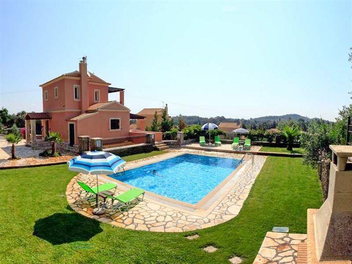 Complex of three villas for rent in Corfu