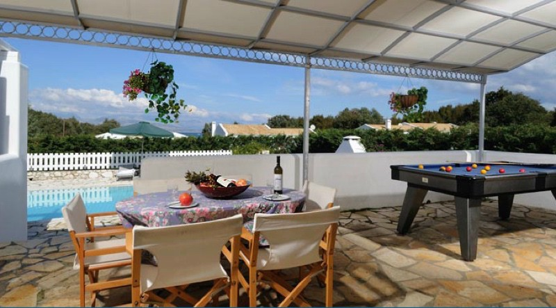 Villa for rent with heated pool in Corfu