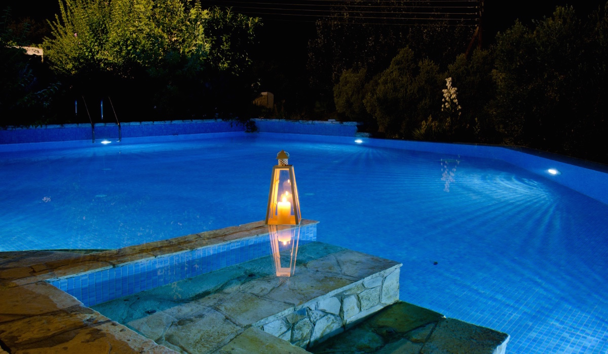 Big Villa With Pool For Rent By The Sea Halkidiki