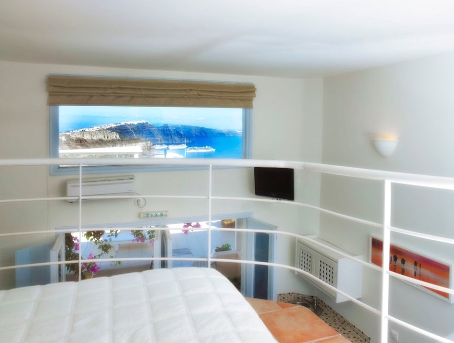 Maisonette Suite in a Luxury Caldera Hotel Santorini